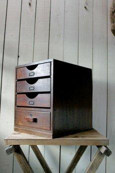 画像2: 【古道具】昭和初期の引き出し(4段鍵付き) (2)