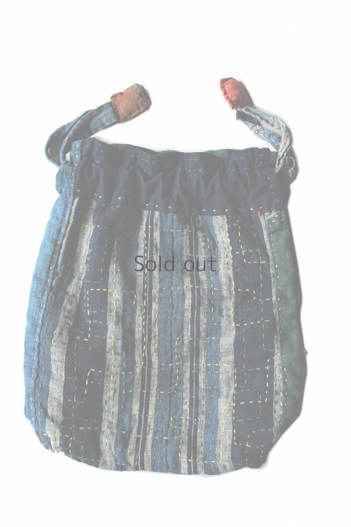 画像1: 【桃雪】藍染刺し子古布 へんちくりん巾着バッグ (1)