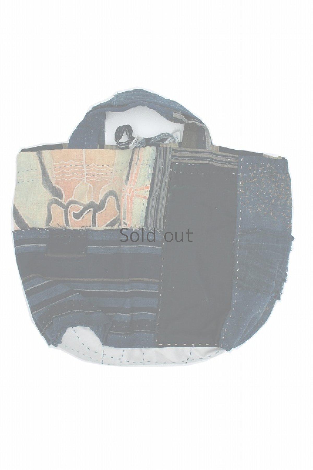 画像1: 【桃雪】藍染襤褸古布 リバーシブル レア布たっぷりバッグ (1)
