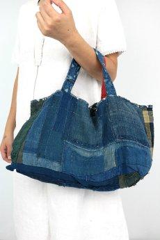 画像9: 【桃雪】藍染襤褸古布 リバーシブル おおらかよこながバッグ(少しとんがってマス) (9)