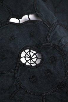 画像4: 【フランス】アンティークレース×染 カットワーク刺繍 敷物 (4)