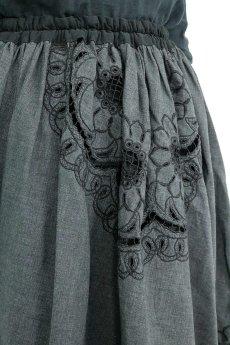 画像8: 【ササキチホ】アンティークレース×リメイク エプロン風スカート(チャコールグレー) (8)