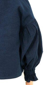 画像9: 【ササキチホ】アンティークリネン×染め ピエロ袖 前開きブラウス(紺色) (9)
