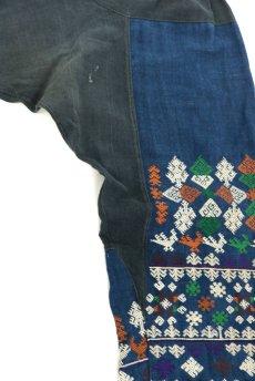 画像6: 【ベトナム】ビンテージ インディゴコットン 刺繍入りパンツ(黒ザオ族) (6)