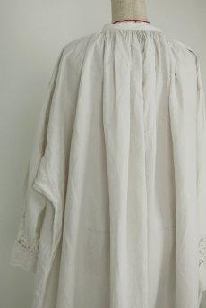 画像13: 【フランス】アンティークリネン 20世紀初頭の教会用ロングスモックドレス(白) (13)