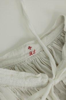 画像15: 【フランス】アンティークリネン 20世紀初頭の教会用ロングスモックドレス(白) (15)