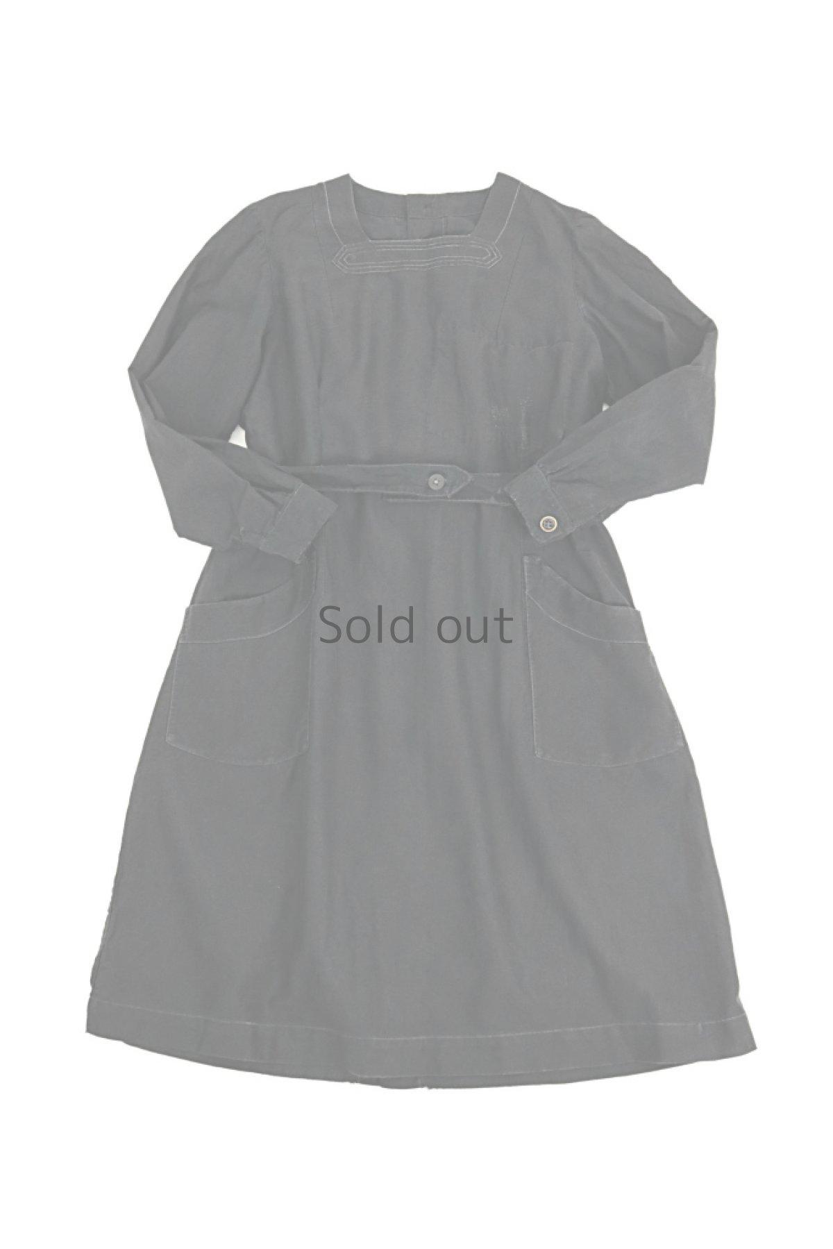 画像1: 【フランス】1940年代頃 後ろボタン ブラックワークドレス(割烹着スタイル) (1)