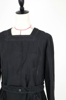 画像3: 【フランス】1940年代頃 後ろボタン ブラックワークドレス(割烹着スタイル) (3)