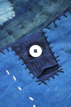 画像14: 【MITSUGU SASAKI】アンティークリネン×染め×古布 パッチワークボロスモックシャツ (紺染め) (14)