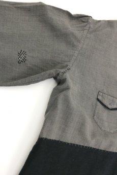 画像4: 【MITSUGU SASAKI】ビンテージ リメイク パッチワーク 丸襟ブラックシャンブレー ワークコート (4)