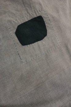 画像9: 【MITSUGU SASAKI】ビンテージ リメイク パッチワーク 丸襟ブラックシャンブレー ワークコート (9)