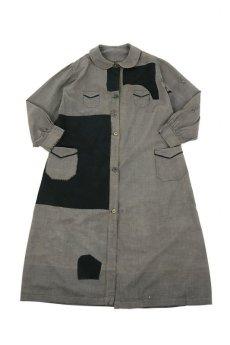 画像1: 【MITSUGU SASAKI】ビンテージ リメイク パッチワーク 丸襟ブラックシャンブレー ワークコート (1)