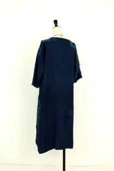 画像16: 【MITSUGU SASAKI】アンティークリネン ×古布×染め 刺し子パッチワーク ナイトドレス(紺) (16)