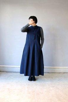 画像2: 【ササキチホ】アンティークリネン×染め モンゴリアンノースリーブワンピース(紺色) (2)