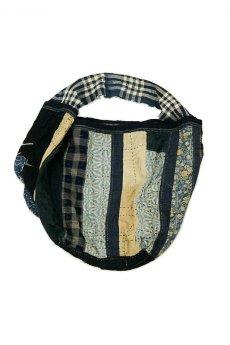 画像1: 【MITSUGU SASAKI】BORO古布 パッチワーク米袋の大きめリバーシブルショルダーバッグ (1)