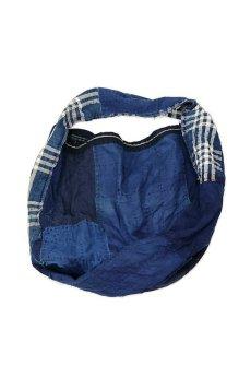 画像10: 【MITSUGU SASAKI】BORO古布 パッチワーク米袋の大きめリバーシブルショルダーバッグ (10)