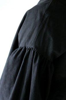 画像6: 【ササキチホ】アンティークリネン×染め ピエロ袖 前開きブラウス(黒色) (6)