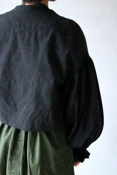 画像8: 【ササキチホ】アンティークリネン×染め ピエロ袖 前開きブラウス(黒色) (8)