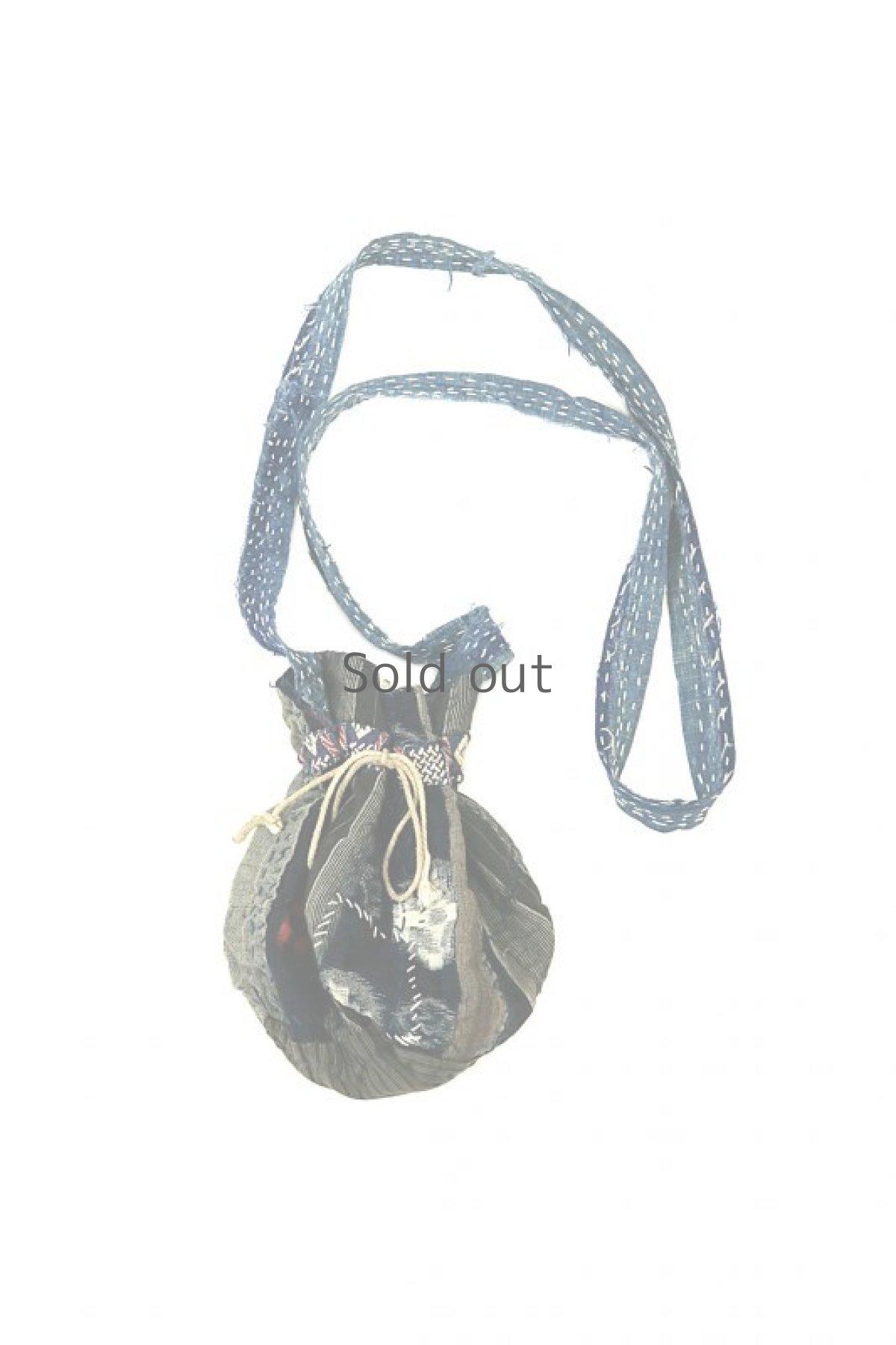 画像1: 【MITSUGU SASAKI】BORO古布 パッチワーク米袋の小さめリバーシブルショルダーバッグ (1)