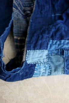 画像14: 【MITSUGU SASAKI】BORO古布 パッチワーク米袋の大きめリバーシブルショルダーバッグ(格子と藍) (14)