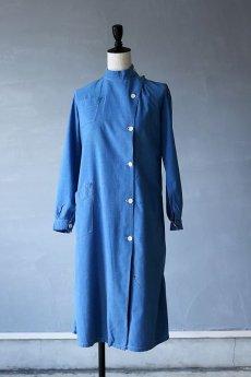 画像2: 【フランス】1950年代頃のブルーコットン メディカルワークドレス (2)