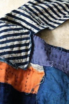 画像5: 【MITSUGU SASAKI】BORO古布 パッチワーク米袋のリバーシブル大きめのショルダーバッグ(藍のパッチと縞) (5)