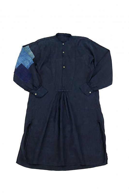 画像1: 【MITSUGU SASAKI】アンティークリネン×染め×古布 パッチワークボロスモックシャツ (紺染め) (1)